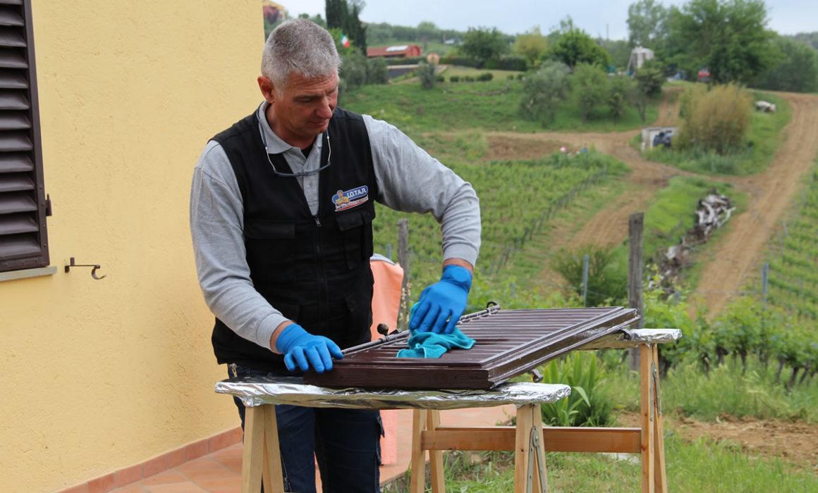 manutenzione persiane in legno